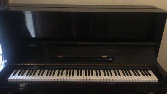 Piano bukan yamaha