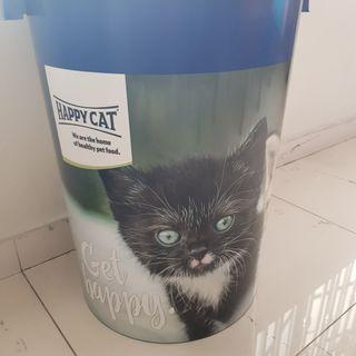 🚚 Container for pet food
