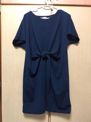 🚚 Navy Blue Office dress with a knot