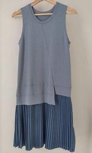 藍色連身百摺裙