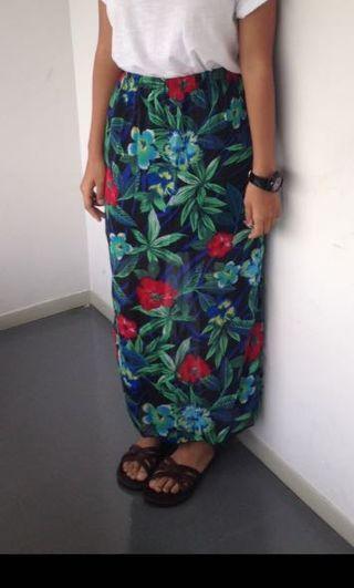 🚚 Floral Side Slits Maxi Skirt