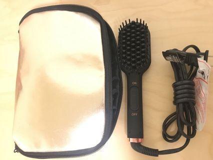 Amika Mini Hair Straightener Brush