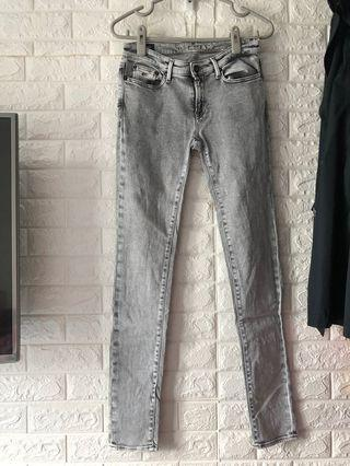 潮牌DENHAM淺灰色牛仔褲