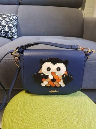 🚚 Owl City Sling Crossbody Bag