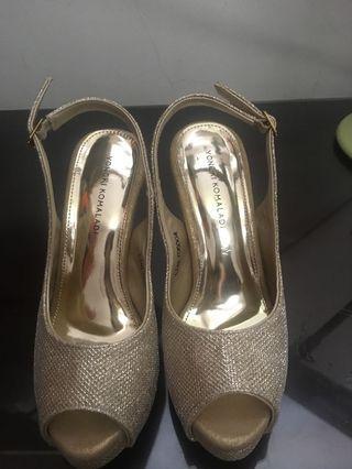 Sepatu Hak Tinggi 10 cm