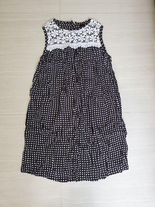 Maternity polka dot dress