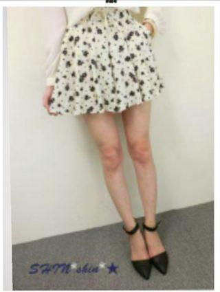 轉售SHIN星~高質感olive des olive甜美小碎花綁帶修身雪紡短裙Yabbi圈sa妮RIKA費雪Kashin