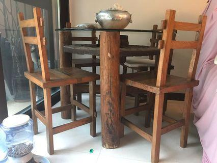 Vintage solid wood Table w/glass top