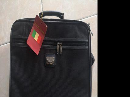Satchi house bag