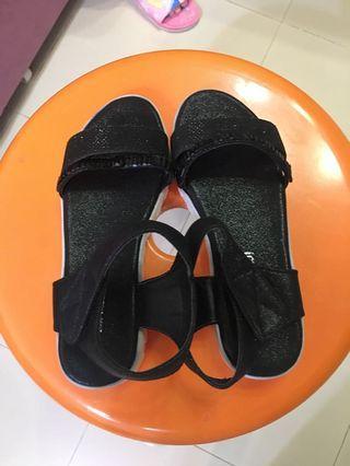 女童涼鞋 girl's sandals