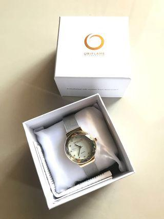 Sleek watch oriflame