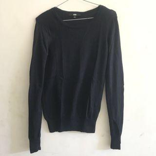Uniqlo Navy Knit Sweater