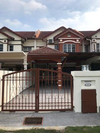 DOUBLE STOREY HOUSE FOR RENT @ PUTRA HEIGHTS SECTION 8