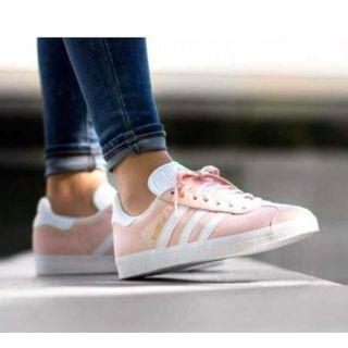 現貨 iShoes正品 Adidas Gazelle 女鞋 櫻花粉 白 金標 麂皮 基本款 復古 運動鞋 BB5472