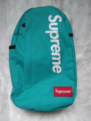 綠色側背包