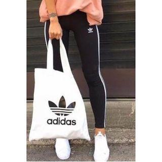 現貨 iShoes正品 Adidas Originals 米色 米白 白色 三葉草 托特包 購物袋 帆布袋 BQ7569