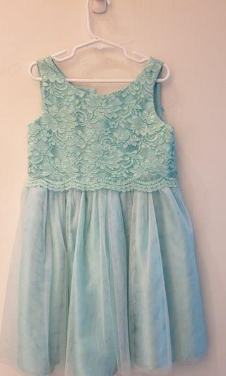 🚚 Girls Dress - light green lace