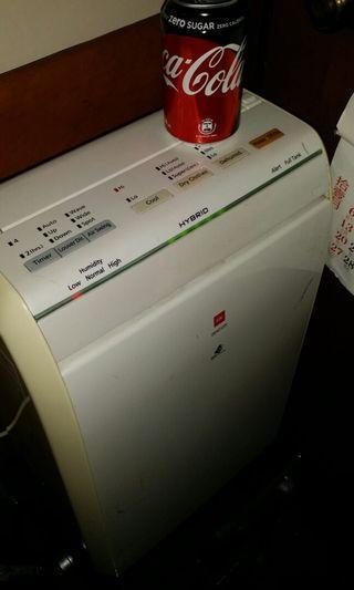 KDK Hybrid 移動式抽濕冷風機 (最合無安裝冷氣機的地方),model: GHC-12X, 全正常(五天內蔡意橋輕鉄站包退), 屯門站交收 KDK Cold air Dehumidifier (Best for room without air conditioner), trade in.Tuen.Mun.station