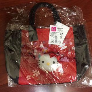 🚚 Hello Kitty 小提包 便當袋 萬用包 三麗鷗正版