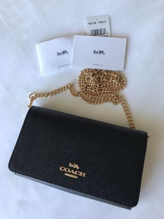 Brand new, 100% authentic COACH wallet on chain w tags