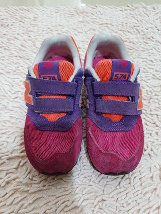 🚚 New Balance Shoes for Girls