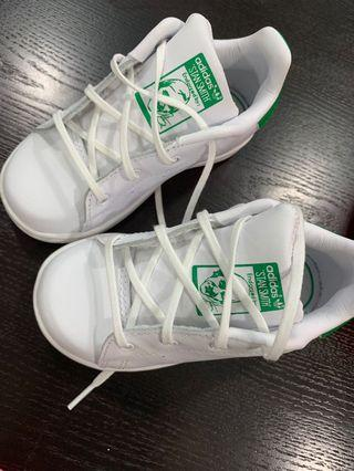 🚚 Adidas stan smith shoes