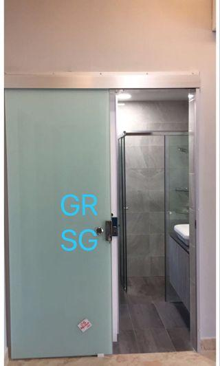 Top track sliding glass door in 10mm tempered glass