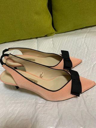 ZARA 淡粉紅色優雅蝴蝶幼踭鞋