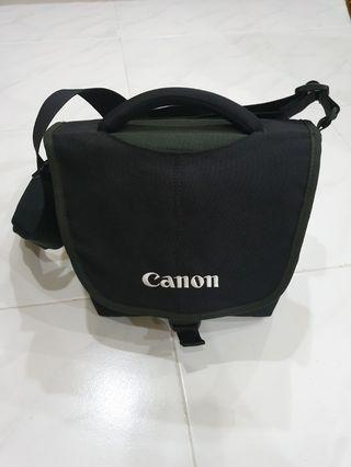Canon Crumpler 5 Million Dollar Sling Bag