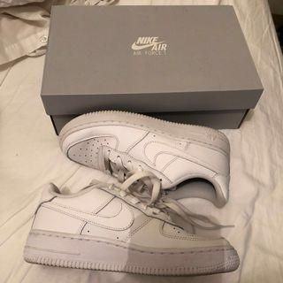 Nike- Air Force 1   size: 3.5 youth
