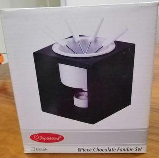 🚚 8 piece chocolate fondue set