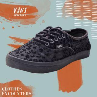 Original vans canvas cheetah black sneakers / Sepatu Sekolah Hitam