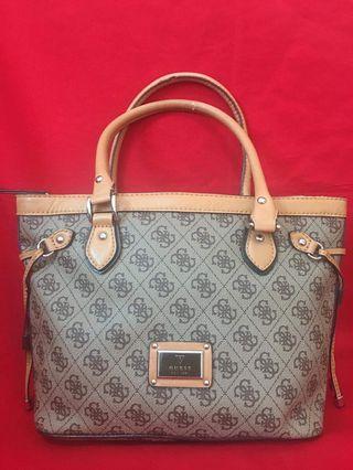 Authentic Guess Shoulder Bag. Coach Kate Spade Michael Kors Furla