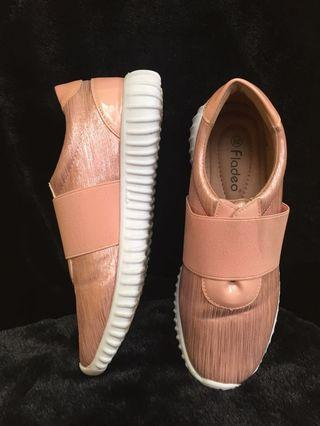 Pink fladeo shoes