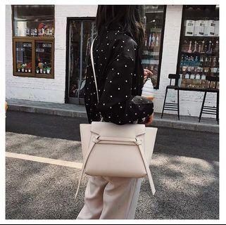 🚚 2019 new Korean version Messenger bag shoulder bag fashion handbag squid bag female bag sling bag crossbody