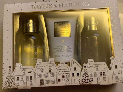 🚚 Baylis & Harding Gift Set