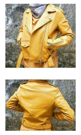 Jacket Bershka Yellow Size S