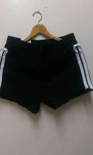 牛仔時尚短褲