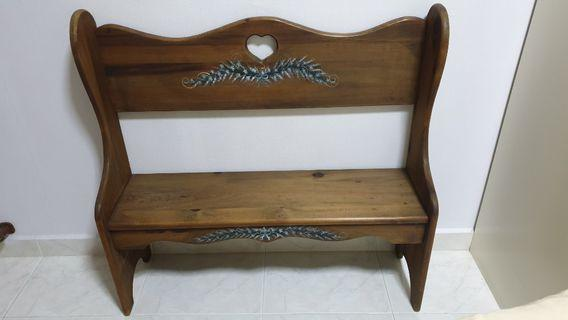 🚚 Natural Solid Wood Bench