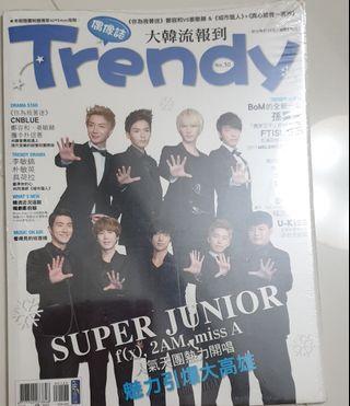 🚚 Brand New Korean magazine in Chinese Trendy