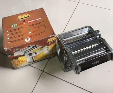 pembuat mie manual/ pasta maker