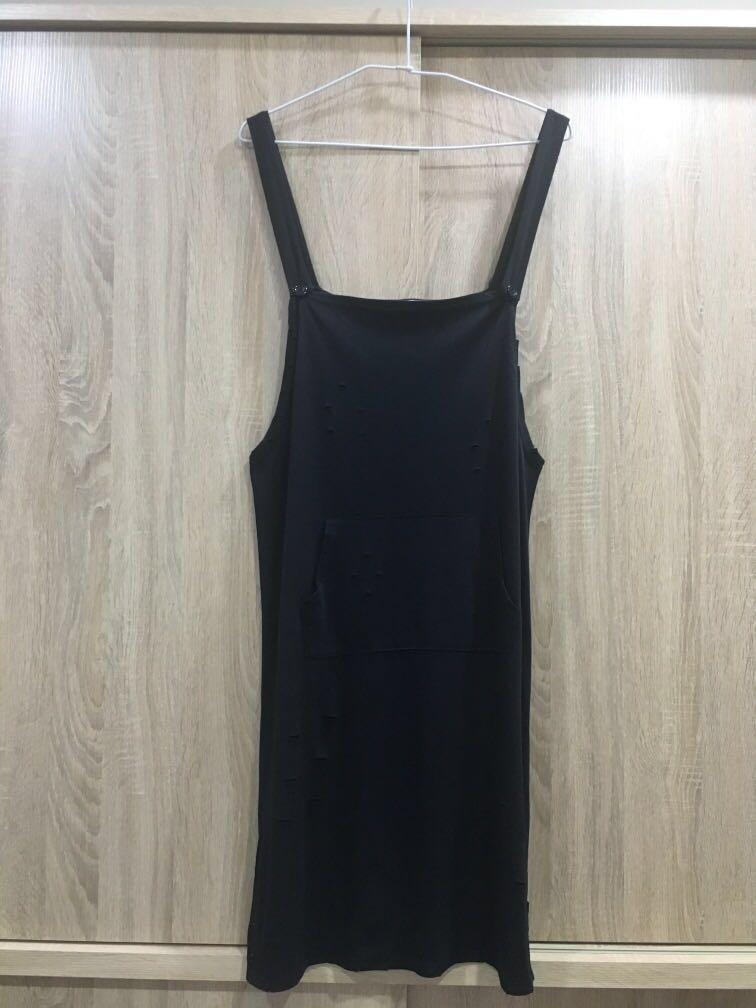 黑色破壞吊帶裙