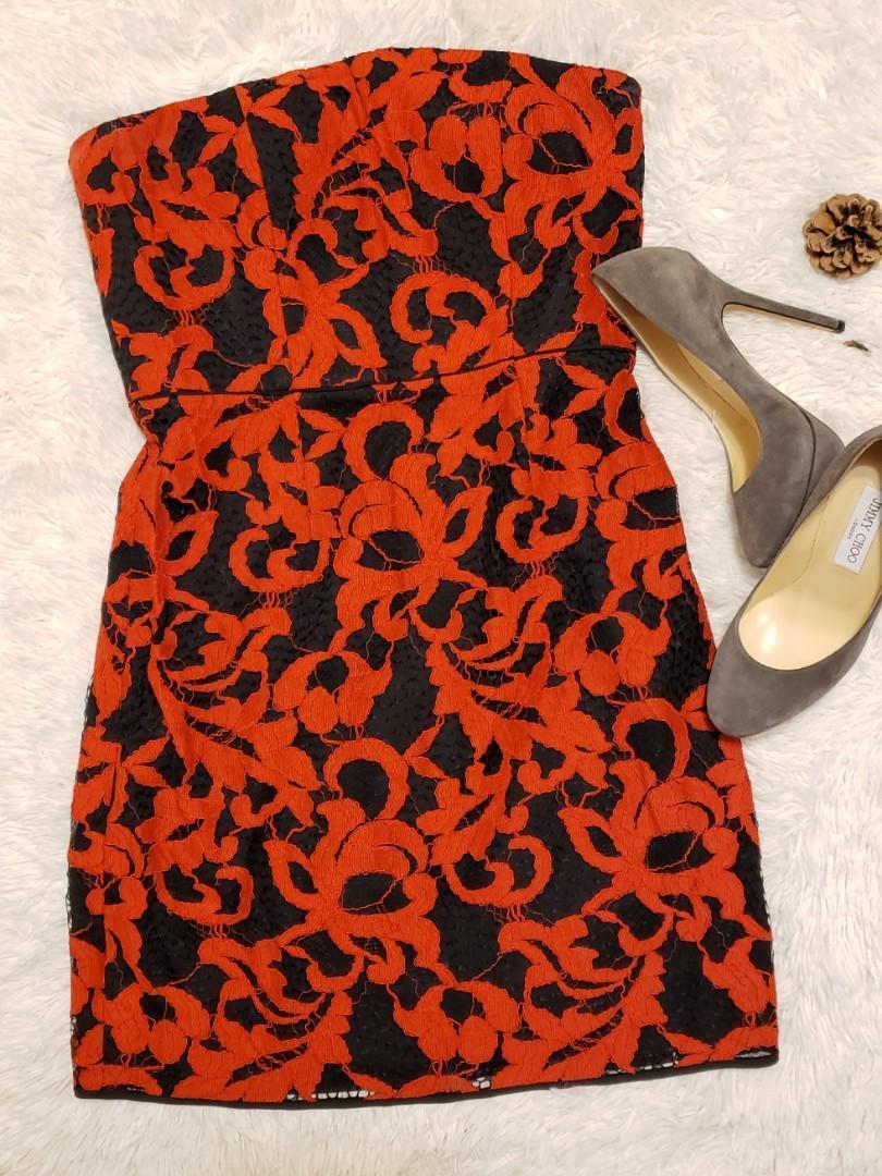 Diane von Furstenberg Walker Two Toned Starpless Lace Dress