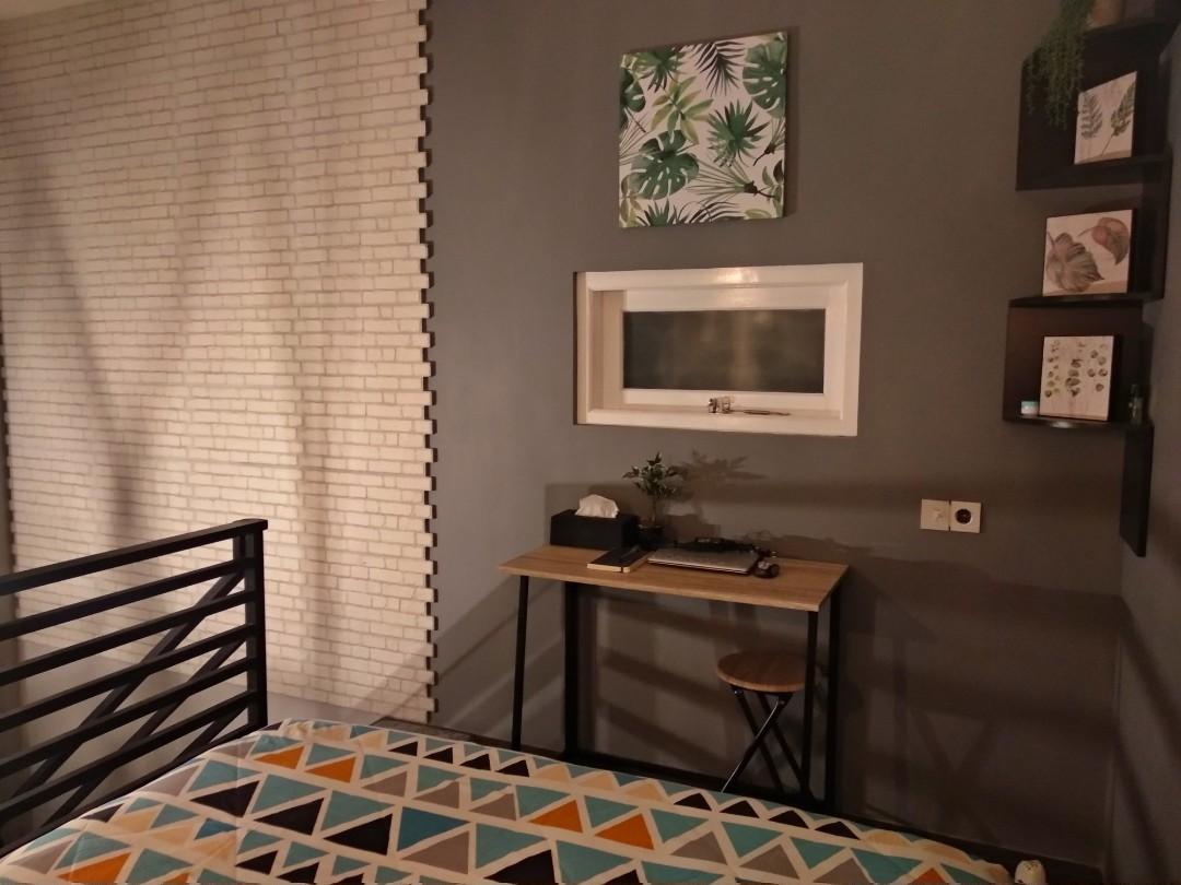 DISEWAKAN (SOLO) hunian mungil, model mezanine, furnished