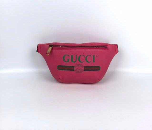 Gucci 2019 Cross body belt bag 腰包!size 29cmx14cm! 90/95 $4250