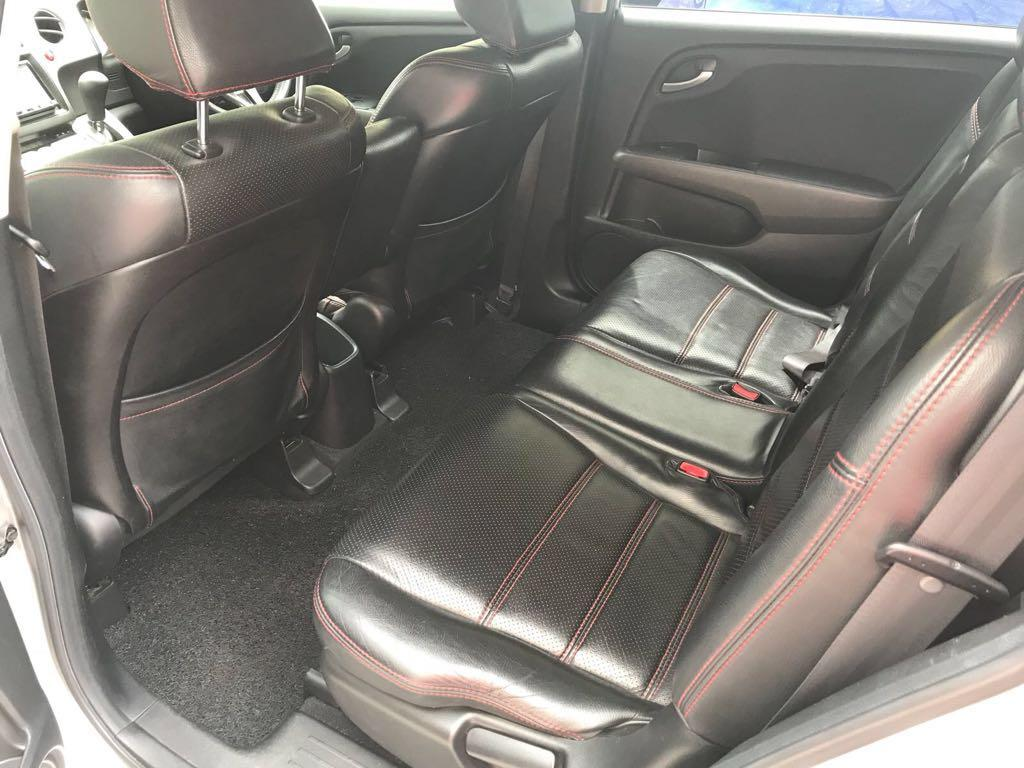 Honda Stream RSZ 1.8A for rent Grab / GOJEK
