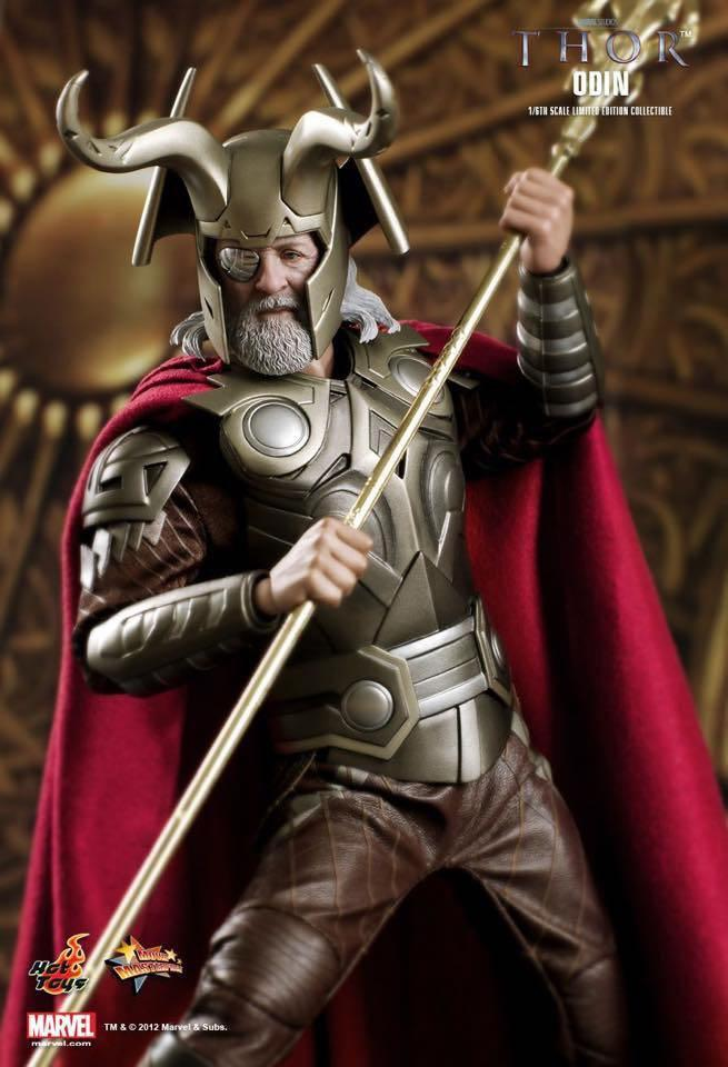 Hottoys Thor 父 Odin 奧丁