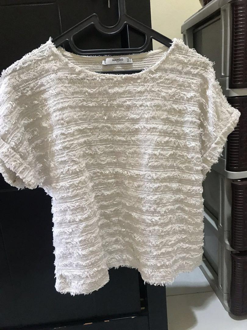 Kaos bulu shirt blouse broken white #BAPAU