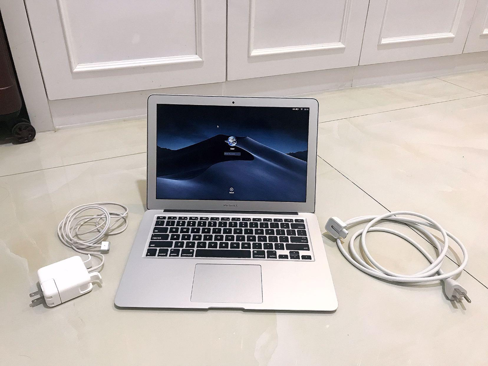 "Like New 98% Macbook Air 13"" 256GB"