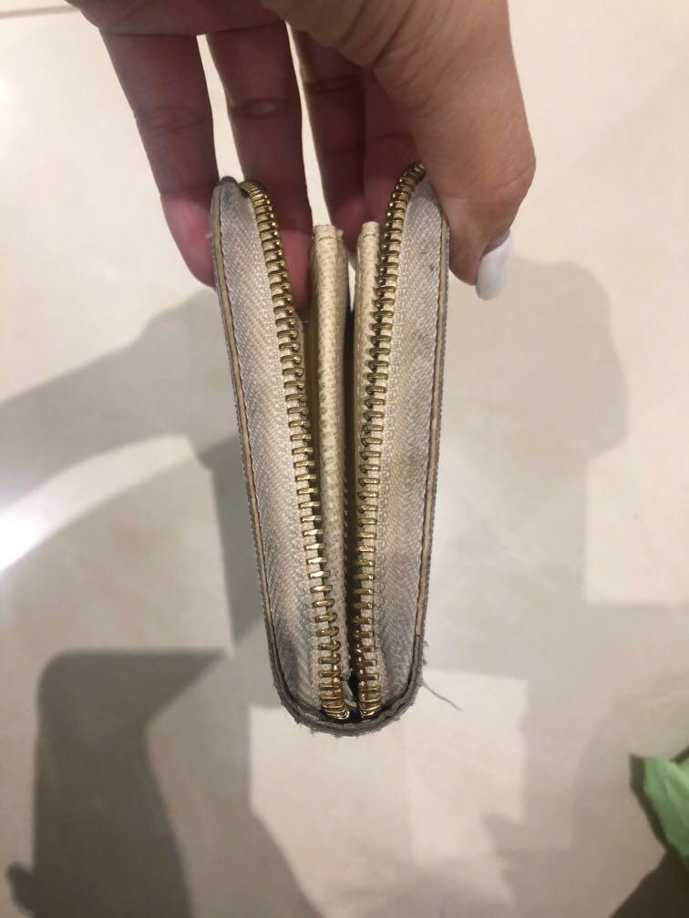 Louis Vuitton Damier Azur Zippy Wallet (authentic)